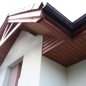 Połączenie wiatrówek drewnianych z podsufitką PCV